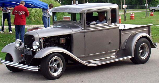 32 Ford Chopped Xcab Pickup