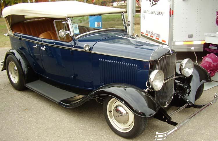 >>>1932 Ford Phaeton: MY New Family Car